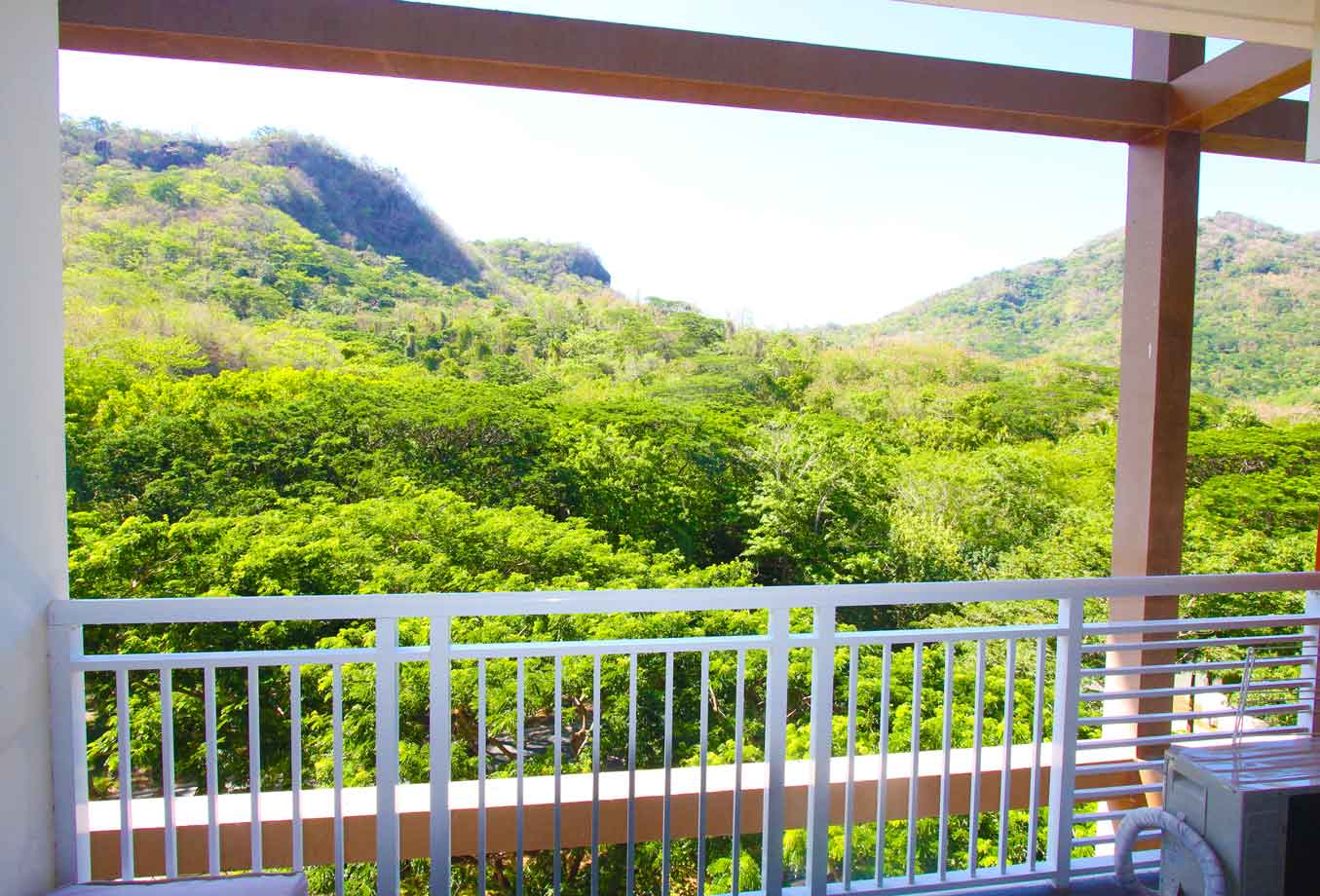 Hamilo Sample Images - myn balcony view 1280 low.